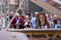 QPEM_pianos-en-la-calle